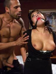 London Keyes is a legitimate masseuse working at a message parlor who encounters a customer, Karlo..
