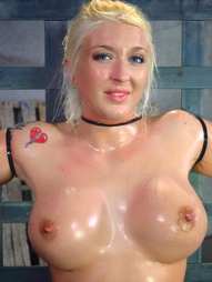 Leya Falcon is the perfect California girl. Blonde, tan, busty and a great love of worshipping the..
