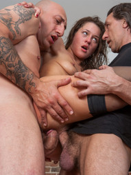 Beauty gets the gangbang of her dreams