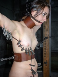 Holy shit. We found ourselves a certified bondage newbie and we're going to take full advantage of..