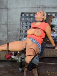 Curvy blonde Angel Allwood might be a relative newbie to the industry, but she comes with a skill..